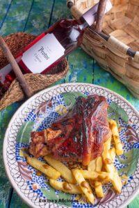 codillo-de-cerdo-cocinado-en-cerveza-pilsener-con-glaseado-de-miel.1